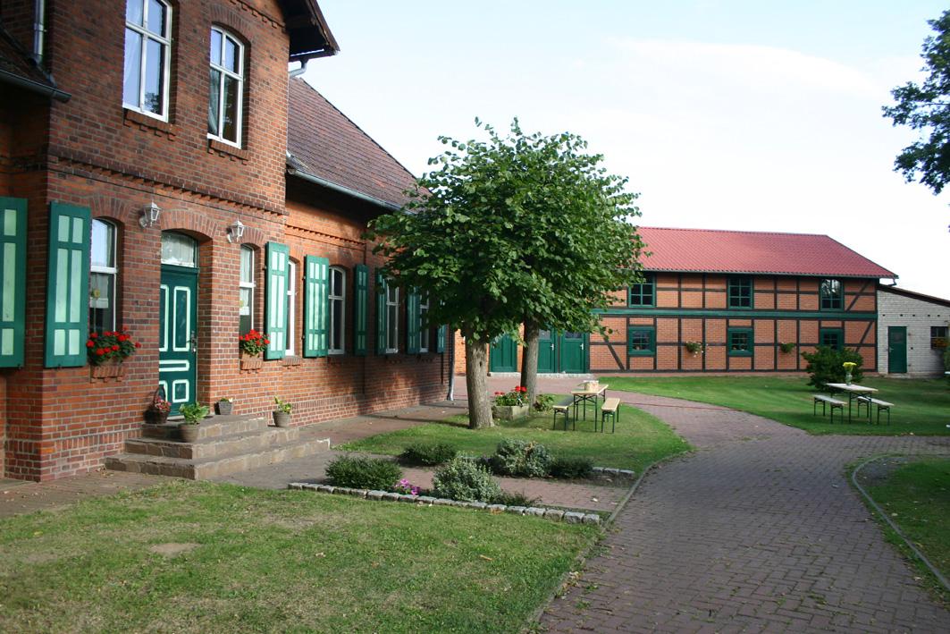 hofgelaende-koch-seehausen-240916