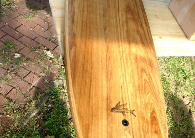 Surfbrett aus Pauwlownia-Holz